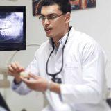 دكتور محمد  ايمن يسري اسنان في القاهرة وسط البلد